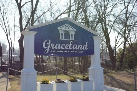 Graceland - Home of Elvis und Mississippi Bootsfahrt