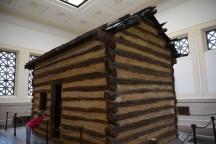 Nachbildung der Log Cabin