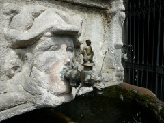 Brunnen vor der Kathedrale