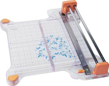 Rotary paper cutter