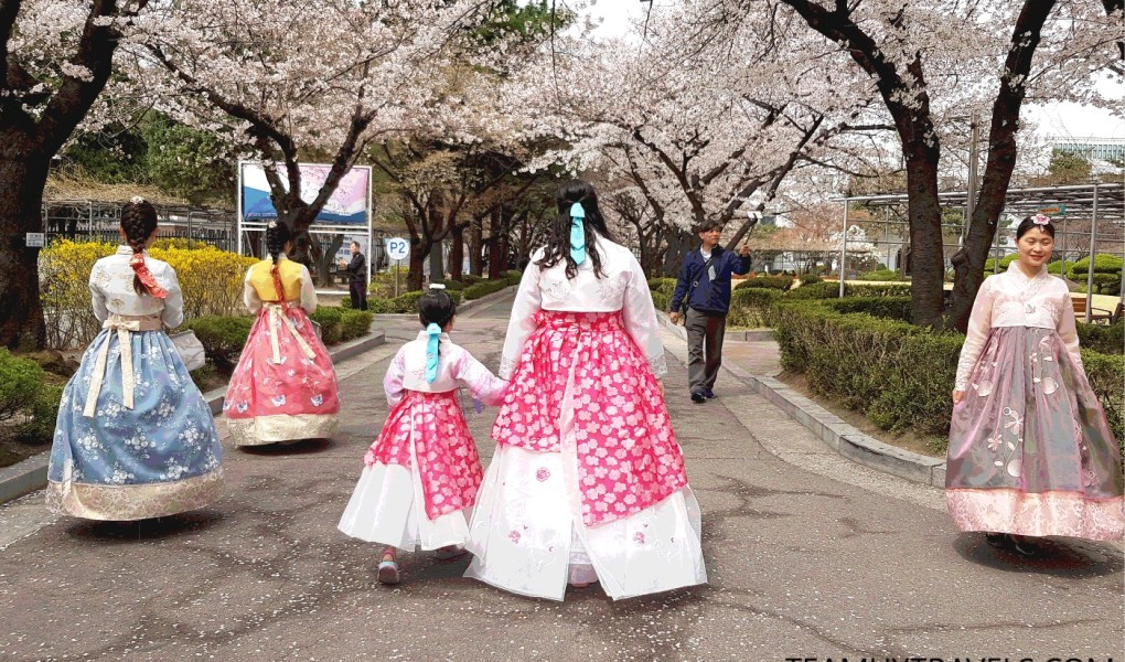 HANBOK EXPERIENCE, TEAM UY TRAVELS
