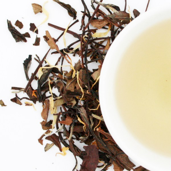 Paradise Peach White Loose Leaf Tea brewed tea