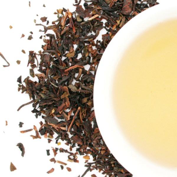 Formosa Oolong dry leaf and brewed tea