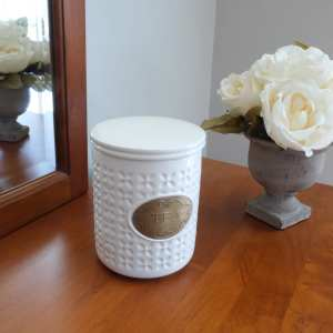 Round with texture white ceramic storage jar for loose leaf tea