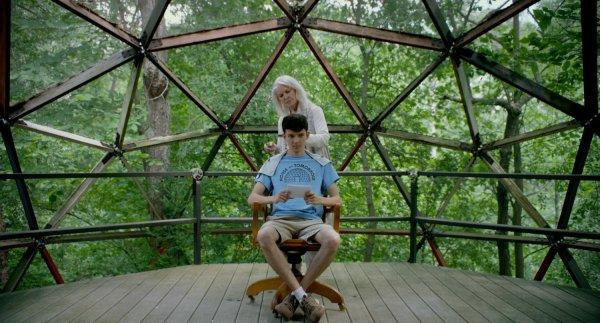 Ellen Burstyn and Asa Butterfield - The House Of Tomorrow