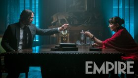 John Wick 3 - Angelica Huston and Keanu Reeves