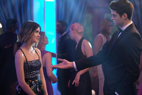Laura Marano And Noah Centineo In The Perfect Date