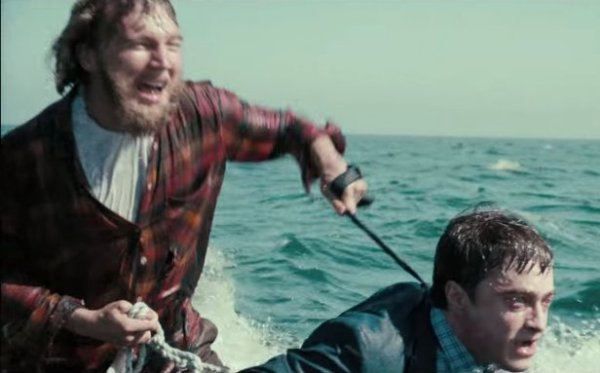 Swiss Army Man - Dano and Radcliffe - 2016