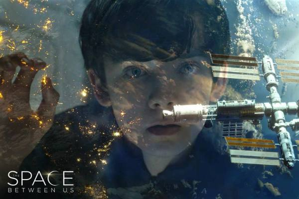 The Space Between Us - 2017 - Asa Butterfield born on Mars!