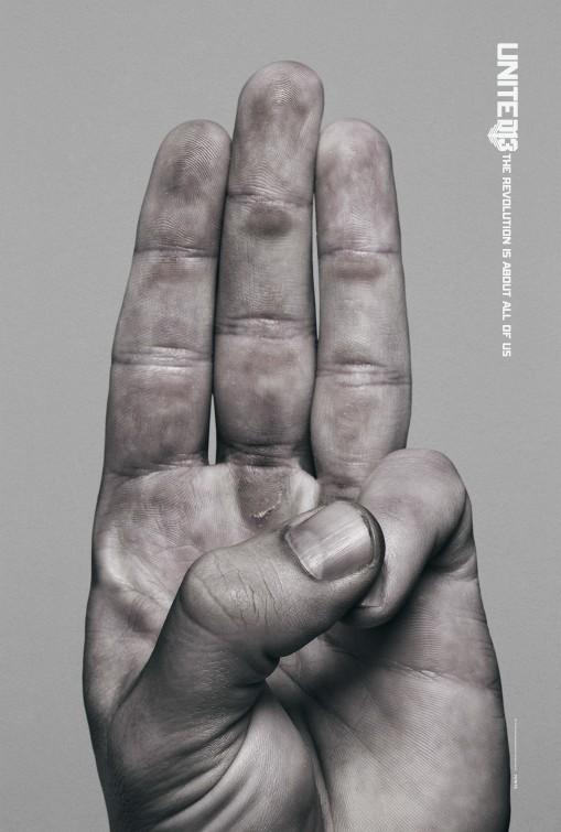 Algumas dúvidas recurvo Hunger_games_mockingjay__part_2_finger_poster-3