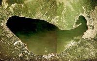 霧の山中湖で巨大なラスボスが出現したと話題に