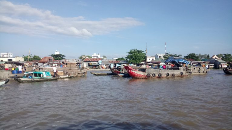 The floating market!