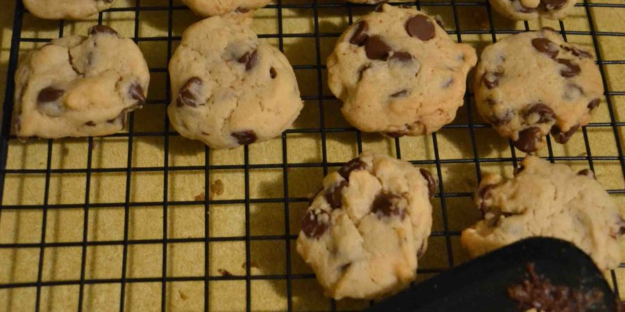Sometimes, baking doesn't turn out looking pinterest-perfect. Here's my attempt at a new chocolate chip cookie recipe.