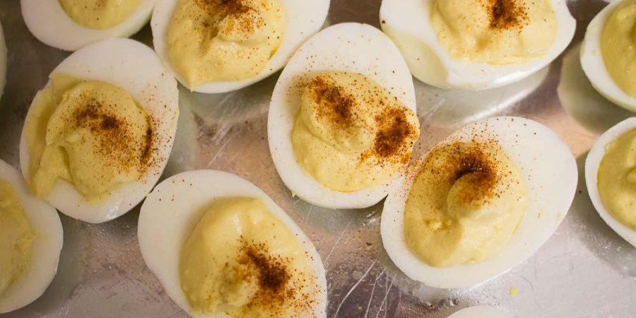 Making deviled eggs is super easy, and a great addition to any picnic or cookout! | Teaspoon of Nose