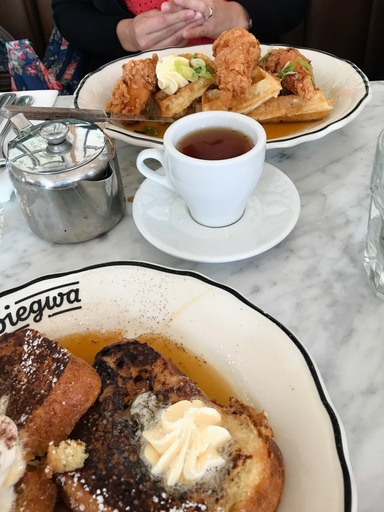 If you're heading to Montreal, you can't miss the food scene! Here's a few of my favorite Montreal restaurants. | Teaspoon of Nose