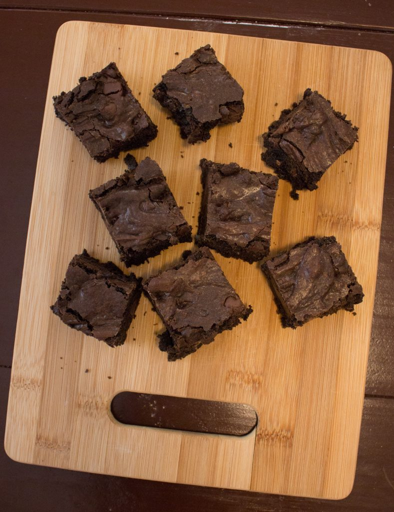 These Nutella brownies are always a crowd favorite! | Teaspoon of Nose