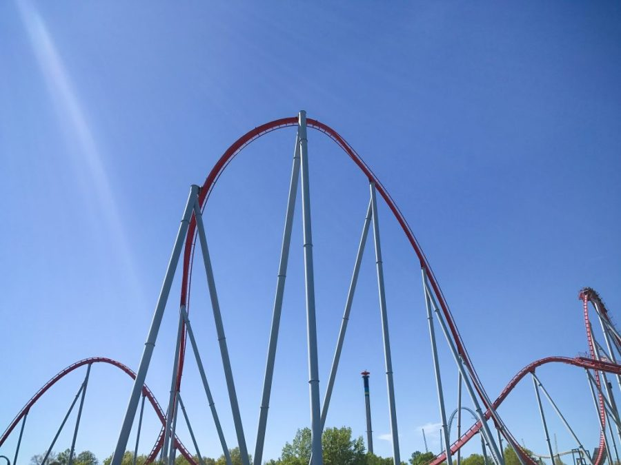 Carowinds has roller coasters, rides, and fun for all ages! | Teaspoon of Nose