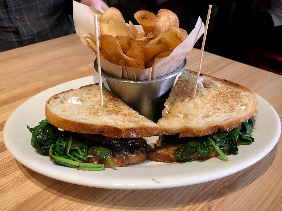 Fort Worth and Dallas have awesome restaurants! Here's a few food finds you don't want to miss! | Teaspoon of Nose