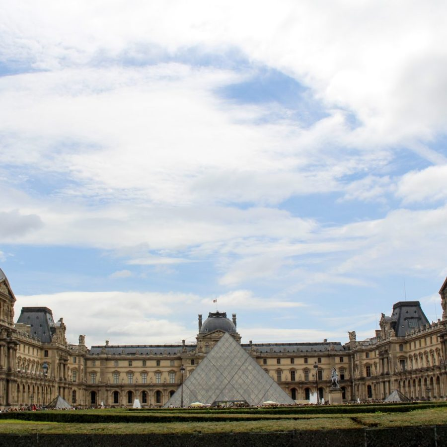 The Louvre should be at the top of any Paris list! Read on to see why. | Teaspoon of Nose