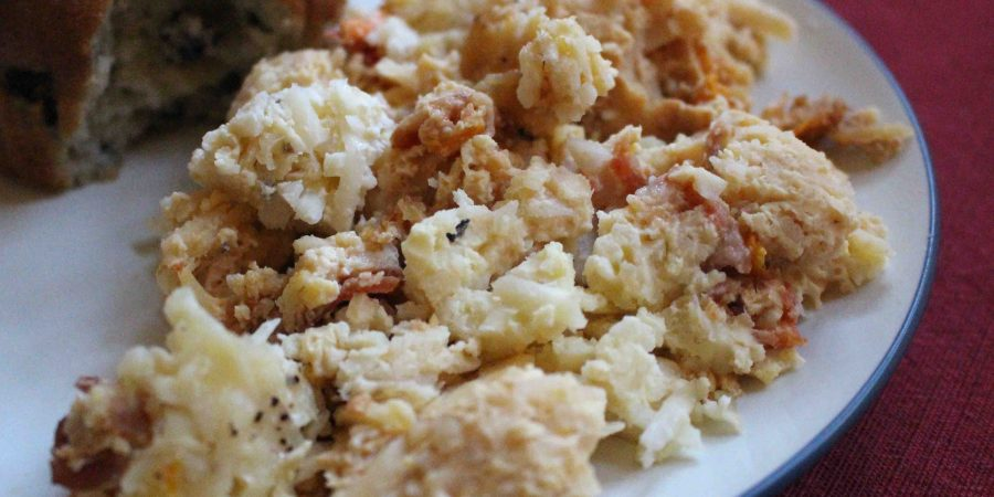 Looking for a fantastic breakfast crockpot to feed a crowd? This egg hashbrown dish is your winner! | Teaspoon of Nose