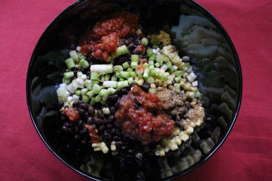 Southwestern salsa makes a great side dish to take to a cookout or picnic! | Teaspoon of Nose