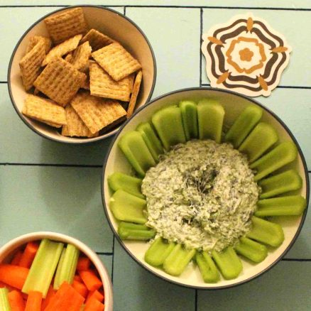 Quick spinach dip is perfect for any occasion! | Teaspoon of Nose
