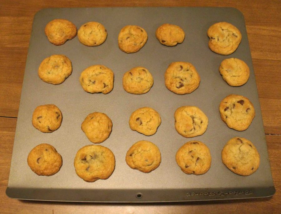 Classic chocolate chips cookies: there's ALWAYS comfort that comes from one of these babies! | Teaspoon of Nose