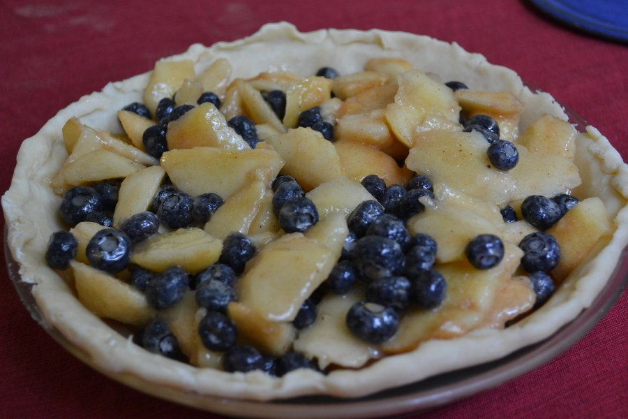 The perfect summertime treat: peach blueberry pie!   Teaspoon of Nose