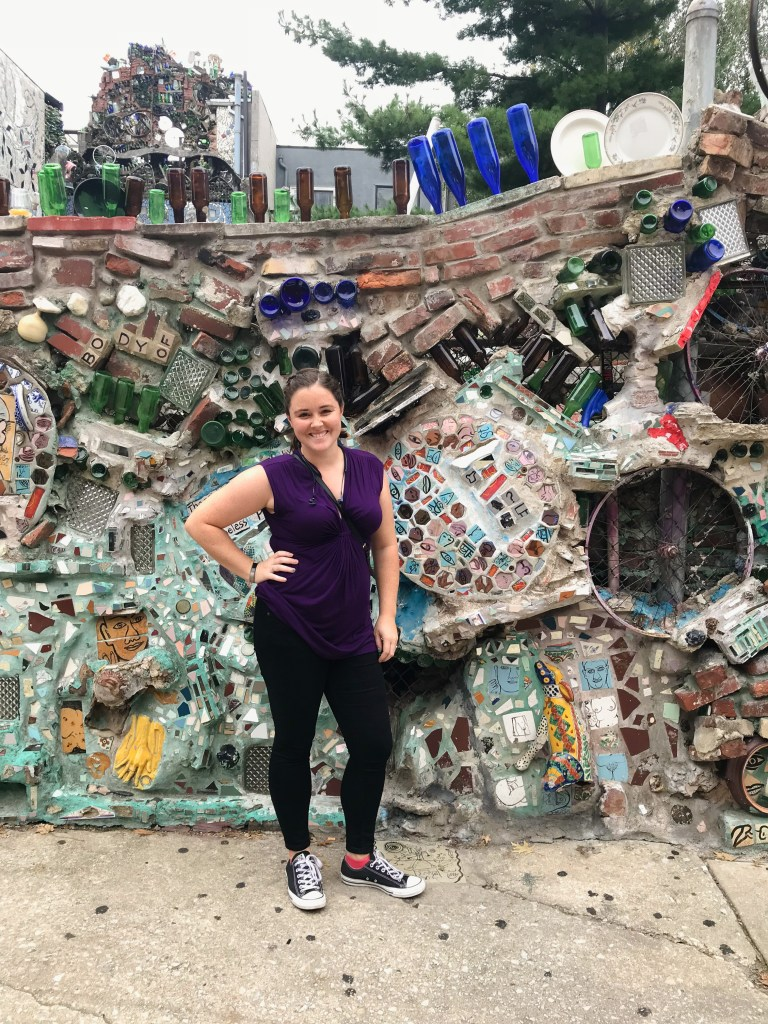 Philly is SUCH a fun city to explore! Whether on your own or with friends, there are so many things to do in a weekend in Philadelphia. Here are a few of my favorites! | Teaspoon of Nose