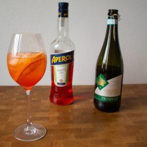 The iconic apertivo: aperol spritz!