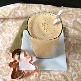 Gingerbread Smoothie | Teaspoonofspice.com