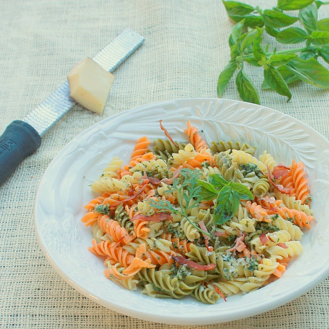 How to make pesto green | TeaspoonOfSpice.com