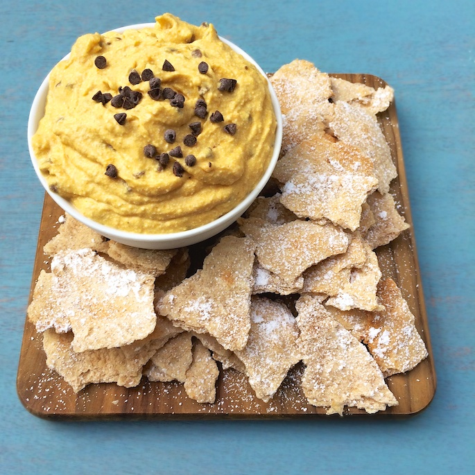 Pumpkin meets cannoli in this easy to make dessert dip via @tspbasil