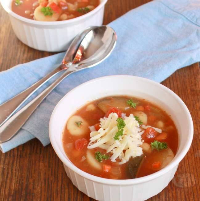 Minestrone soup quick | TeaspoonOfSpice.com