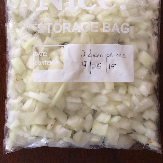 #HealthyKitchenHacks - How to Freeze Onions @tspbasil