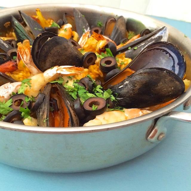 Easy Seafood Paella | Teaspoonofspice.com