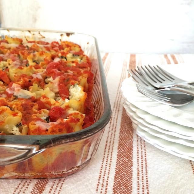 Kale Stuffed Cheesy Lasagna Rolls | Teaspoonofspice.com