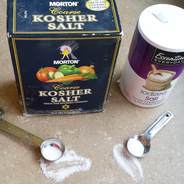 #HealthyKitchenHacks - The difference between kosher salt vs table salt | @TspCurry