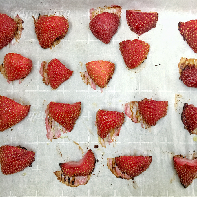 Roasted strawberries taste like strawberry jam without the added sugar! Healthy Kitchen Hacks at Teaspoonofspice.com