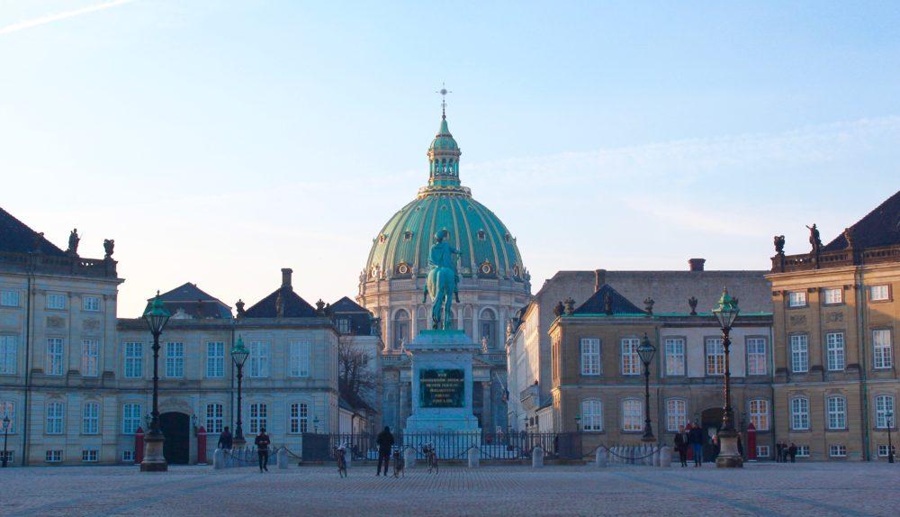 amalienborg, livgarden på amalienborg, amalienborg, seværdigheder i københavn, slotte i købenahvn, gratis seværdigheder i københavn,
