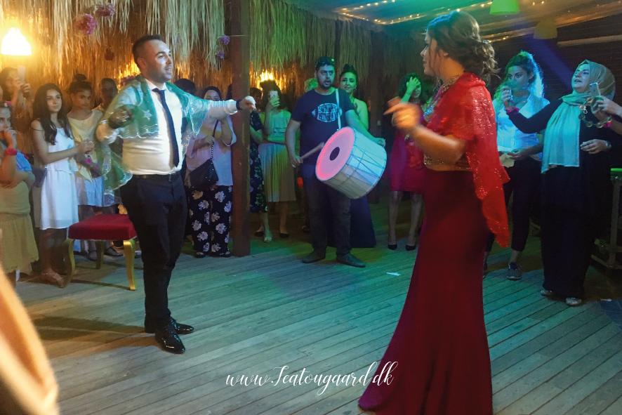 tyrkisk bryllup, bryllup i tyrkiet, tyrker bryllup, tyrkisk nikah, gift i tyrkiet, dansk tyrkisk ægteskab, gift i Alanya, alanya blog, travel blog, rejseblog, blog om tyrkiet, tyrkiet blog, hennefest, tyrkisk hennafest, hvad er henna, henna traditioner, tyrkiske traditioner