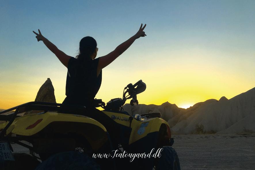rejsebloggen, rejseblogger, rejseblog, travelblog, travelblogger,Cappadocia, cappadokien, kappadokien, kappadokia, rejseblog, rejseblog tyrkiet, rejseblog kappadokien, rejseblog cappadocia, ATV cappadokia, ATV kappadokien, rejseblog ATV, 2K kappadokien, 2K Cappadokien, seværdigheder i Kappadokien, kappadokien seværdigheder, oplevelser i kappadokien, oplevelser i cappadocia, rejseblogger bucketlist, ATV udflugter, oplev Cappadocia på ATV, Solnedgang i Kappadokien,