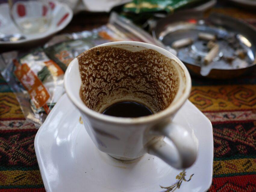 tyrkisk kaffe, sp i kaffe grums, kaffe grums, symbolerne i kaffe grums, kaffe grums symboler, drikkevare fra tyrkiet, opskrift på tyrkisk kaffe, tyrkisk kaffe opskrift