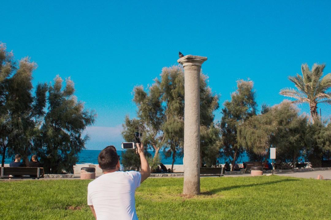 Romersk søjle, seværdigheder på Nordcypern, Seværdigheder i Girne, Seværdigheder i Kyrenia, hvad kan man lave på Nordcypern, Seværdigheder på Cypern, Cypern guide,
