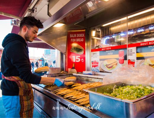 balik ekmek, fiske sandwich istanbul, street food istabul, istanbul guide, guide til istanbul, madguide til istanbul, der skal du spise i Istabul,