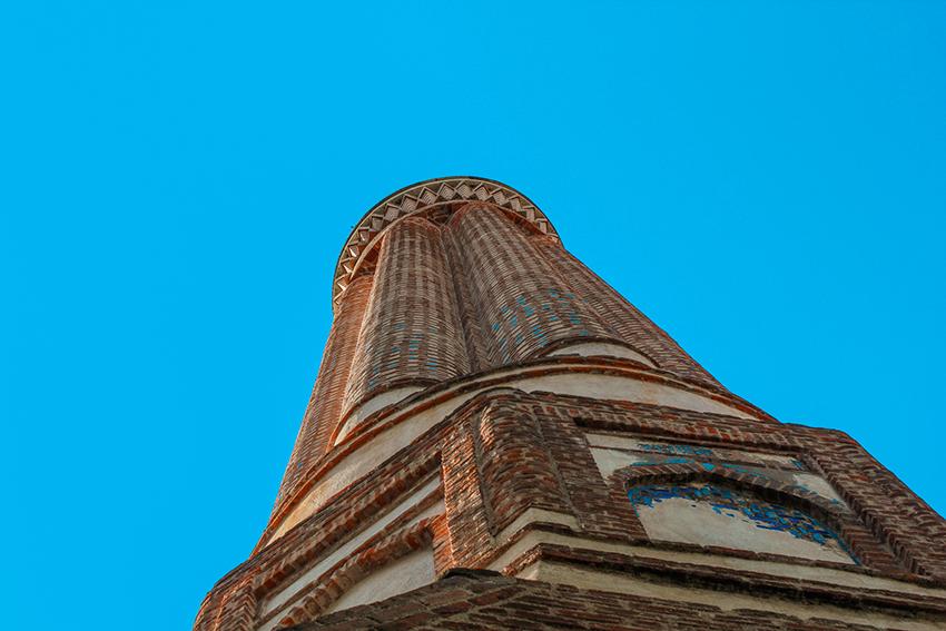 Antalya seværdigheder, Den rillede minaret, Yivli minareten, tyrkisk moské, minaret, antalya,