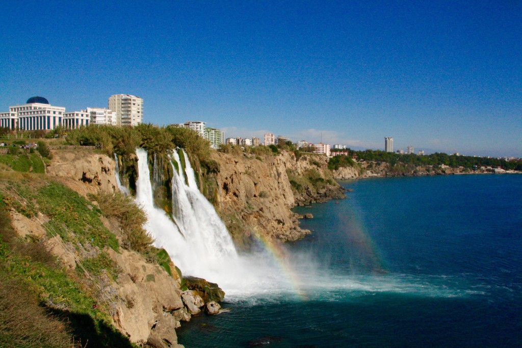 Det nedre duden vandfald, duden vandfaldet, seværdigheder i Antalya, oplevelser i antalya, antalya oplevelser, vandfald i Tyrkiet, Vandfald i Antalya, antalya vandfaldet,