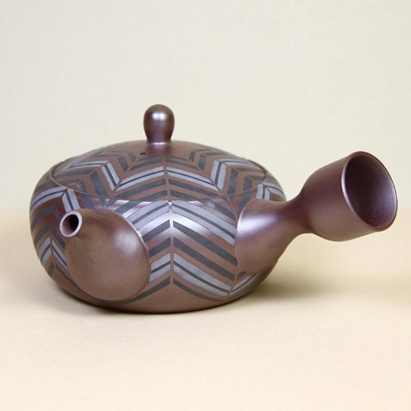 Banko Teapot with Sandblasted Chevron Pattern