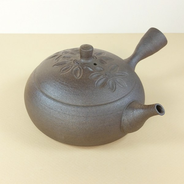 Tokoname Low Teapot with Insiced Flowrs on Lid