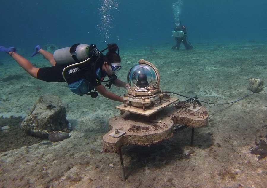 El cuidado en el uso del equipo es importante para no romper las estructuras de coral